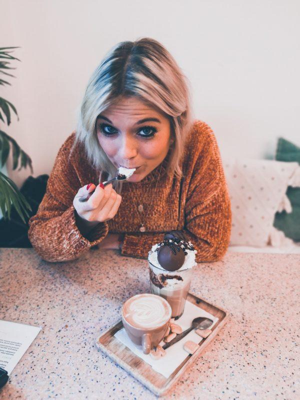 Hier drink je de beste koffie en chocomelk van Antwerpen!