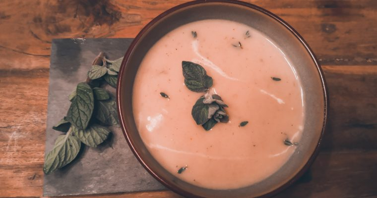 Velouté soep van bloemkool en prei! Heerlijk vullend en zéér gezond!