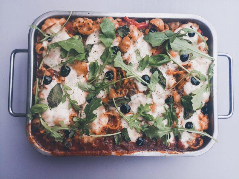 Een heerlijk bordje comfort food: Gnocci met spinazie, tomaat en mozzarella