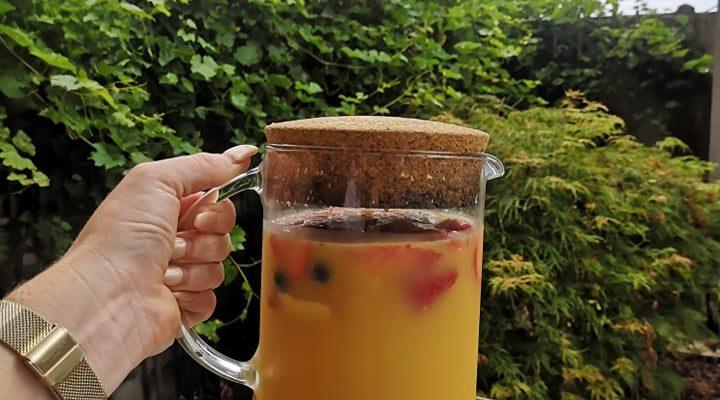 Sangria special op basis van Gin, Prosecco en appelsiensap!