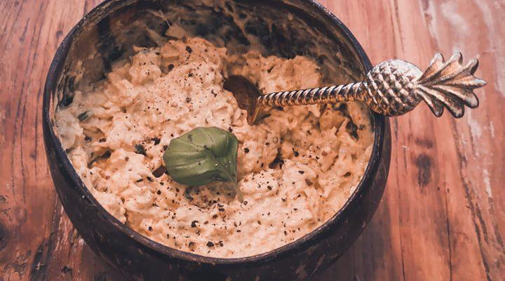 Homemade kip-curry – heerlijk voor op je pistolet op zondagochtend!