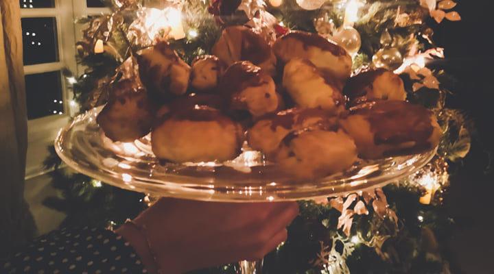 Verse handgerolde worstenbroodjes